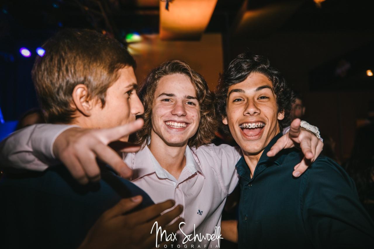 MAX__1300