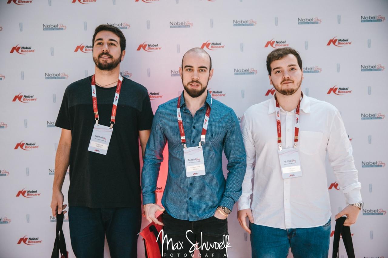 MAX__0382